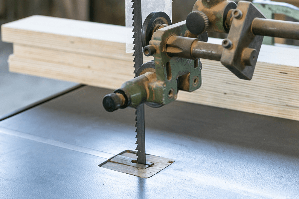 Bandsaw Table and Blade
