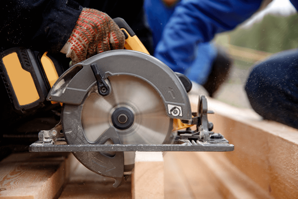 Do you really need to change the blade of your miter saw