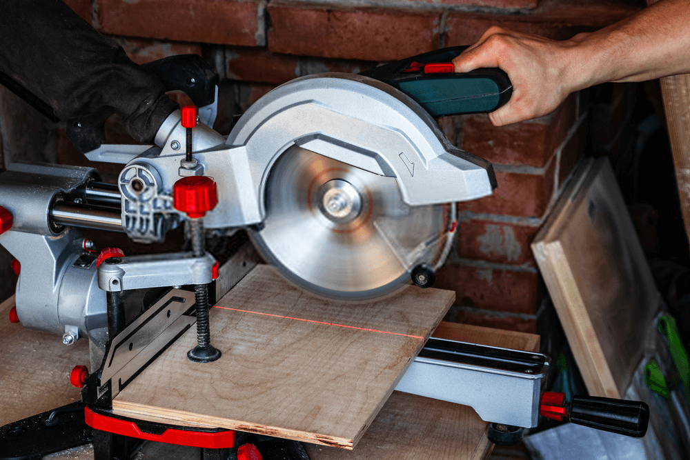 Laser guide with Miter Saw
